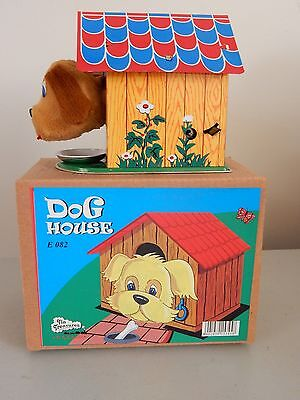 Puppy Dog House Wind Up Tin Treasure Puppy Barks/squeaks & Eats Very Cute!