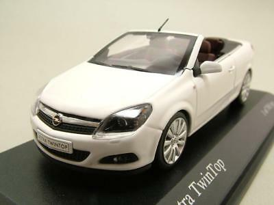 Vauxhall Astra Twin Top Cabriolet 2006 white, Model car 1:43 / Minichamps