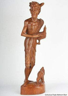 Java 20. Jh. Holzfigur - A Javanese Carved Wood Figure of a Cockfighter - Statue
