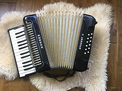Piano Accordion Hohner Student 2 Vintage Quality Collector Beginners Original