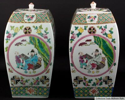 China 19/20. Jh. Paar Vasen -A Pair of Chinese Famille Rose Vases Cinese Chinois