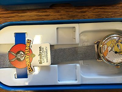Watch: Looney Tunes Vtg Tweety Bird With A Stainless Steel Band