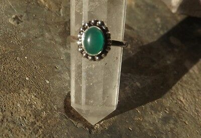 Ethnic Indian silver plated toe ring with green onyx cabochon~adjustable