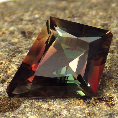 GREEN-PINK RED DICHROIC OREGON SUNSTONE 2.71Ct FLAWLESS-FOR RARE JEWELRY-VIDEO