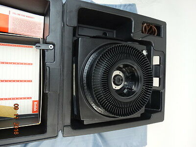 Kodak Carousel 750H Projector Tested & MINT Condition with Remote Box & Manual