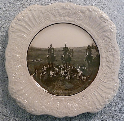 Rare vintage Ridgway R.A. Ware AT THE COVERT SIDE luncheon plate, embossed rim
