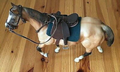 ● BREYER Tan Horse With Saddle. RARE?