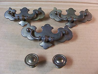 Vintage Brass Finish Drawer Pulls & Knobs -- Screws Included • CAD $31.50