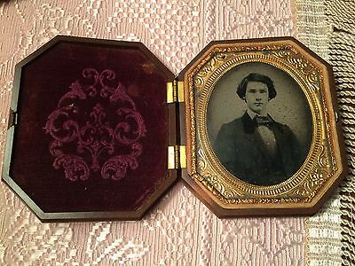 Antique Ambrotype Handsome Young Man Fabulous Case And Condition