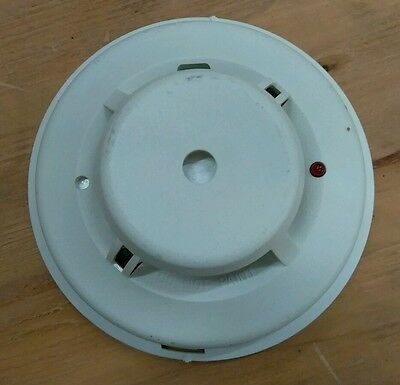 System Sensor 2112/ATL 4 wire Photoelectric smoke detector w/ base *USED*