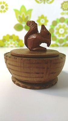 Vintage ANRI Italian Wooden Pot/Trinket Box Decorated With Squirrel (04)