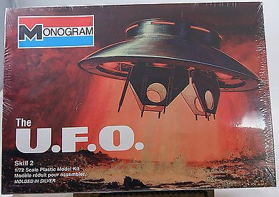 "The UFO Spaceship Model Kit Monogram 6012 From The 60's TV Show ""The Invaders"""