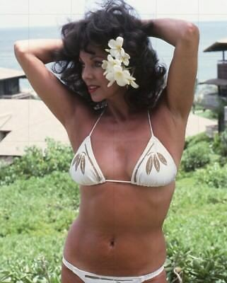 """JOAN COLLINS - 10"""" x 8"""" Colour Photo On Holiday In Barbados 1970's  #1908"""