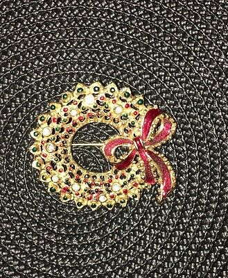 Vtg Christmas pin brooch Wreath, Gold Costume Jewelry NICE