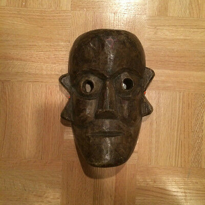 "Hand Carved Wooden Indian Mask (10"" x 7"")"