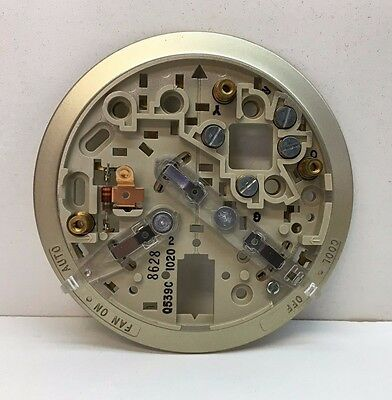 Honeywell Tradeline Q539C 1020 Thermostat Subbase Cool-Off, Fan On-Auto for T87F