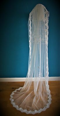 Wedding Veil *Chapel Length*1 Tier*Off white/ Ivory*Wide Corded Lace*