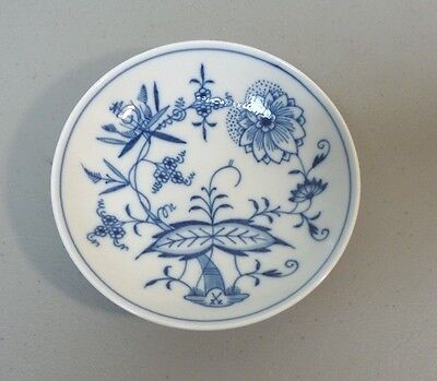 "Antique Meissen ""blue Onion"" 5"" Dessert/fruit Bowl, Crossed Swords Mark"