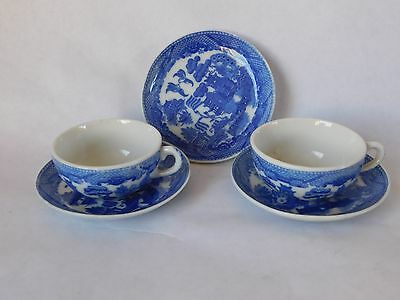 Vintage Willow Pattern Two Cups And Three Saucers (Made In Occupied Japan)