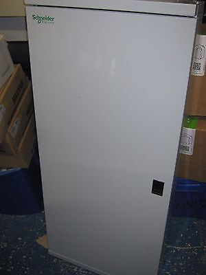 New Schneider Kq Loadcentre Kq72B125 72/24 Way 125 Amp Max  Distribution Board