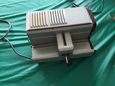KINDERMANN SLIDE PROJECTOR  1010 Vintage German Made
