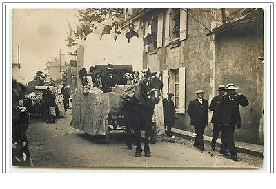 Carte-Photo de la Cavalcade de L'ILE-BOUCHARD 1er Juin 1913