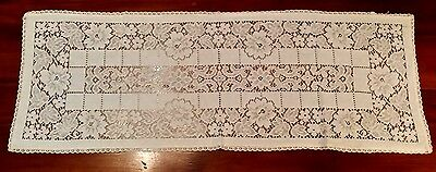Vintage Quaker Lace(?) Floral Table Runner Free Shipping