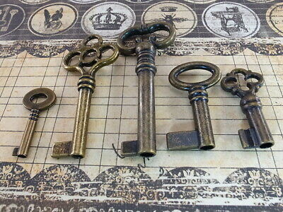 Assorted Vintage Style Open Barrel Key Furniture Wedding Pendants Charms - 5 pcs