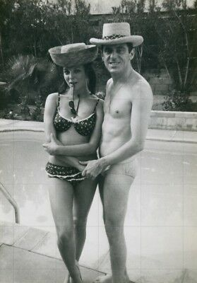 "JOAN COLLINS - ANTHONY NEWLEY - On Holiday 1960's  - 12"" x 8"" b/w Photo #2820"