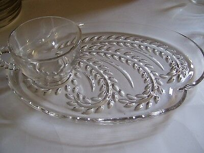 Vintage Federal Glass Snack Set Homestead Wheat 4 Trays 4 Cups Original Box A16