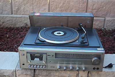 LP Record Player Turntable Built-in Speakers  Cassette FM/AM Radio