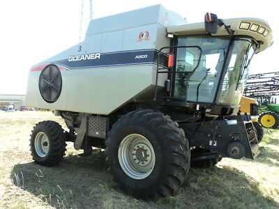2008 Gleaner R65 Combines & Harvesters
