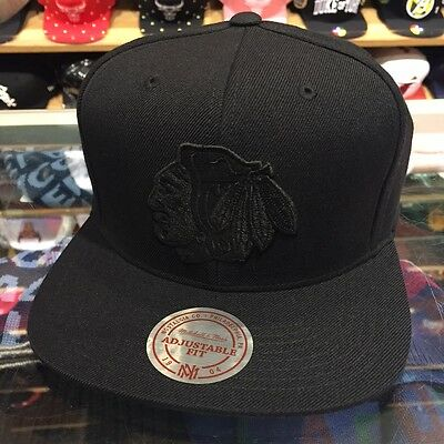 Mitchell & Ness Chicago Blackhawks NHL Snapback Hat Cap All BLACK/BLACK