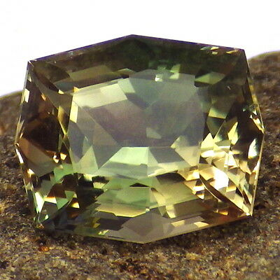 GREEN DICHROIC SCHILLER OREGON SUNSTONE 5.48Ct FLAWLESS-TOP INVESTMENT GRADE!!