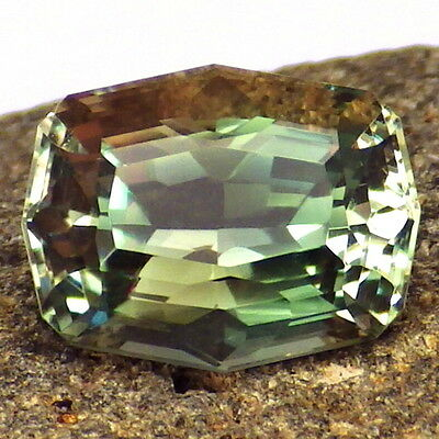 CHROME GREEN-TEAL DICHROIC OREGON SUNSTONE 2.92Ct FLAWLESS-TOP INVESTMENT!