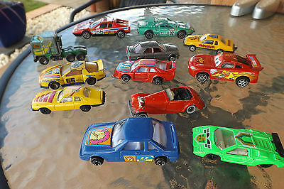 12 x  Die Cast Matchbox hot wheels burago and others  mixed lot ( 1 plastic)