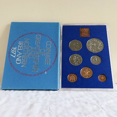 1977 ROYAL MINT PROOF SET WITH CROWN - complete