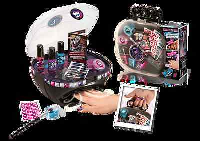 Monster High Canal Toys-Nail dryer scary vanity