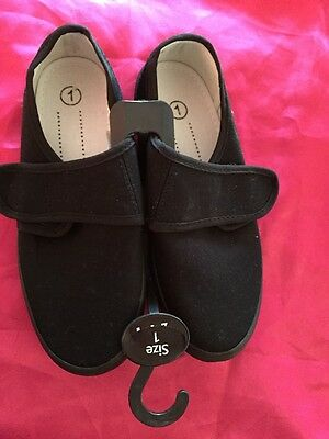 New Boys,Girls,Unisex,School,PE,Gym,Sports,Pump,Plimsoles Shoes. Size 1 Velcro.