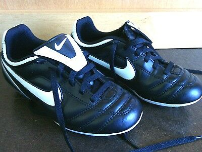 Nike Black & White Tiempo Soccer Cleats Size 13c Football Boots Versatract Youth