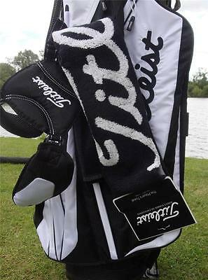 Titleist- Players Towel (40 x 80cms) - Black/White/Red + FREE Titlesit Tour Tees