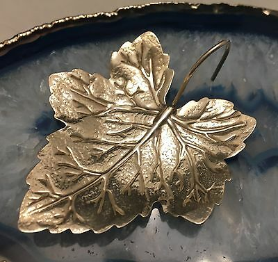 STUNNING Detailed Hand Crafted Sterling Silver Small MAPLE LEAF Canada - L364