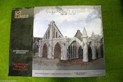 Pegasus GOTHIC CITY BUILDING 28mm scale Set 1 Scenery 4924