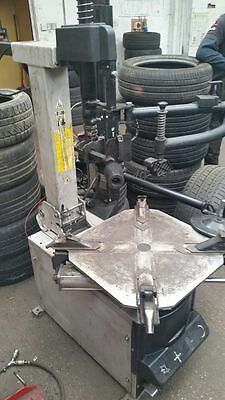 Hofman Tyre Changer/ Machine + Assist Arm 1 Year Old (RRP £3,250)