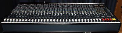 Soudcraft 200 SR 32 channels 4 aux Very clean ! Including CPS450 Power Supply !