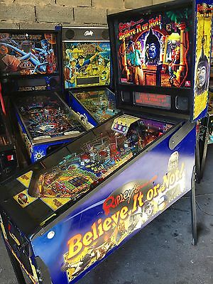 Flipper STERN RIPLEY'S BELIEVE IT OR NOT! - USED - Pinball 2004 - Working Condit