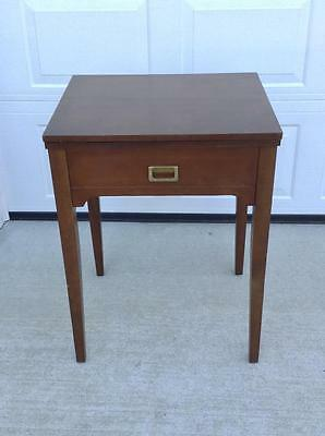 Singer Sewing Machine Cabinet, Model 413 Came Out Of It. (H-J)