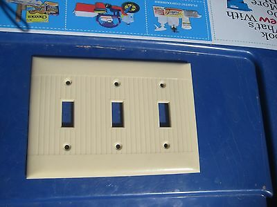 Vintage ***   SIERRA ELECTRIC   *** 3-Gang Toggle Switch Wall Plate USA