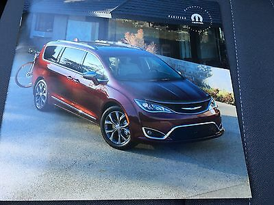 2017 Chrysler Pacifica Accessories 12-page Original Sales Brochure