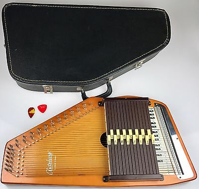 Nice Vintage Autoharp by Oscar Schmidt 15 chord 36 strings Zither Wood + Case
